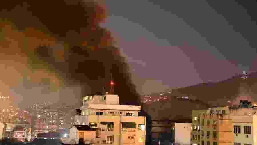 Nuvem de fumaça no Hospital Badim, no Rio, durante incêndio que atingiu o prédio - Celso Pupo - 12.set.2019/Fotoarena/Estadão Conteúdo