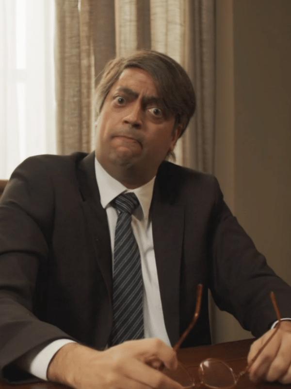 "Ator Fernando Caruso imita Jair Bolsonaro no programa ""Zorra"", da Globo"