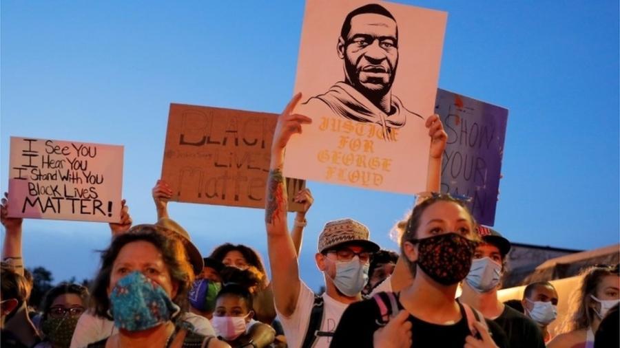 Os protestos contra a morte de Floyd repercutiram muito além dos Estados Unidos - Reuters