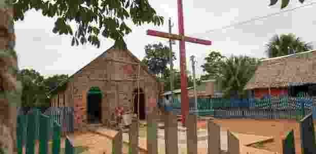 Nova igreja em obras na comunidade de Mato Grosso, frequentada por índígenas  - Cacalos Garrastazu/Eder Content