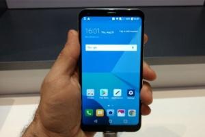 Quer um celular com tela infinita? LG Q6 Plus é opção mais