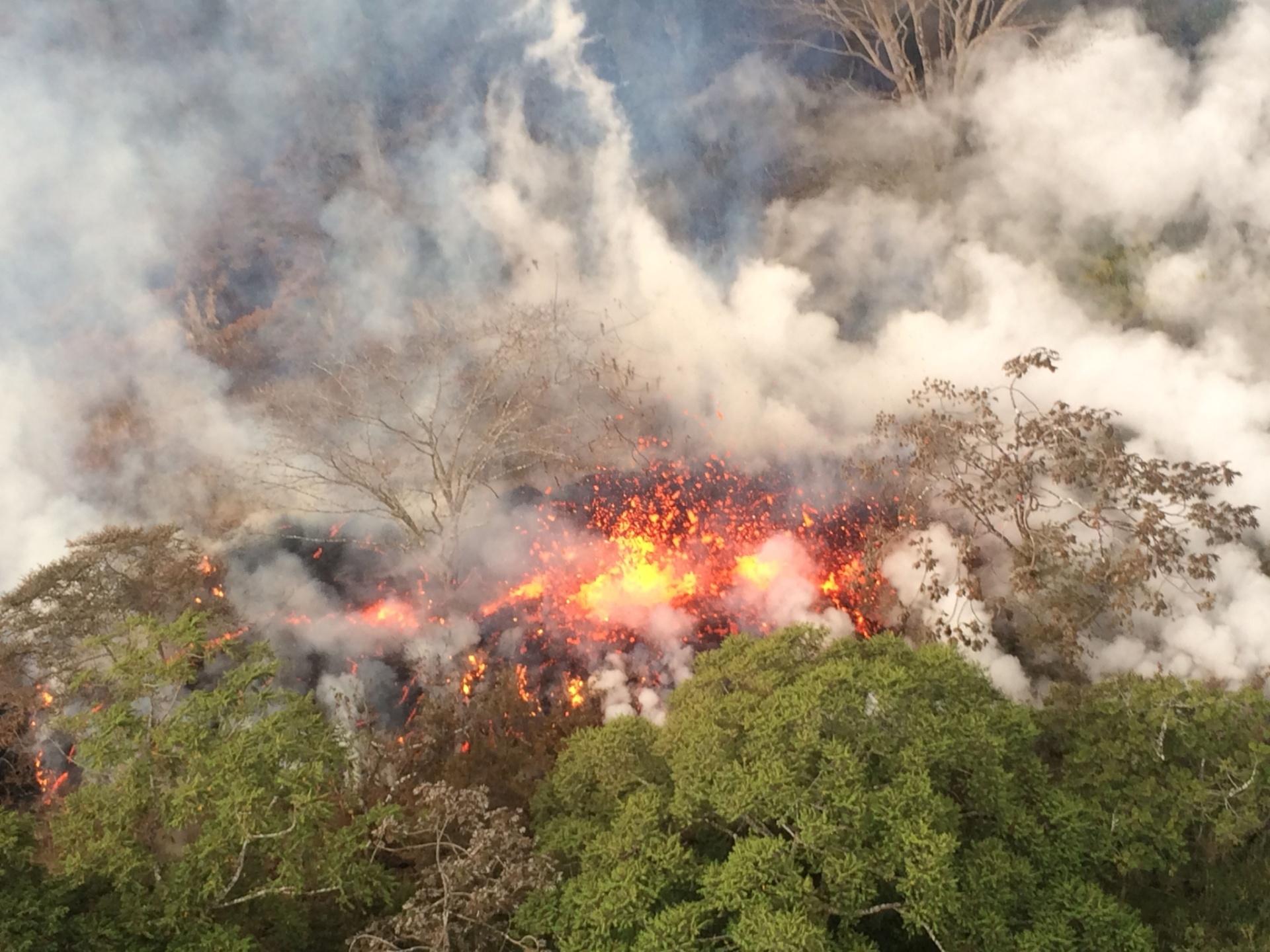 17.maio.2018 - Vulcão no Havaí voltou a ter uma erupção explosiva