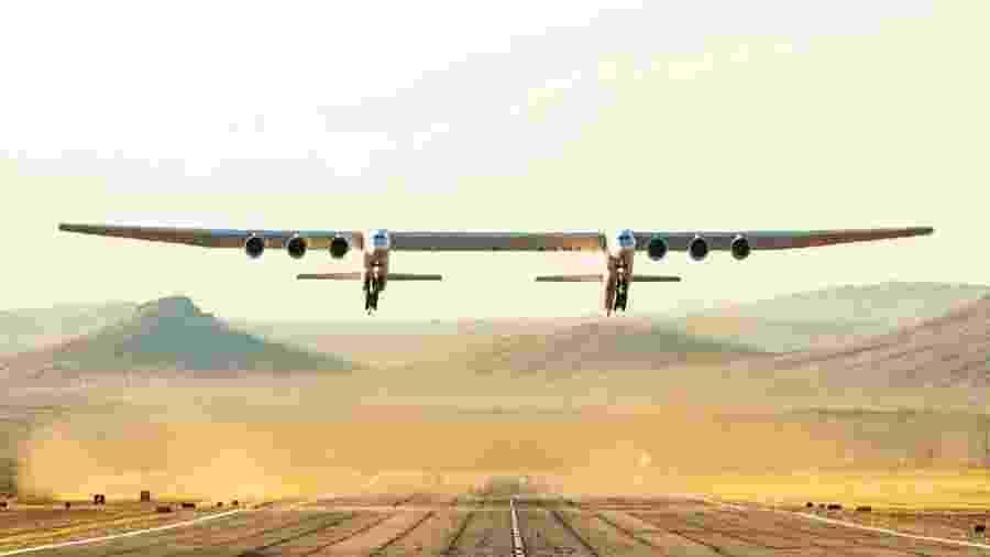 Stratolaunch voou pela primeira vez neste sábado - Twitter/Divulgação