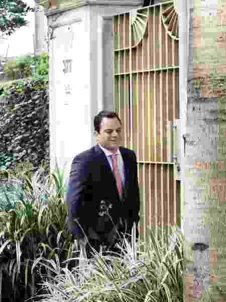 09.mai.2019 - Atila Machado, um dos advogados de Temer, chega à casa do ex-presidente em SP - ALOISIO MAURICIO/FOTOARENA/ESTADÃO CONTEÚDO