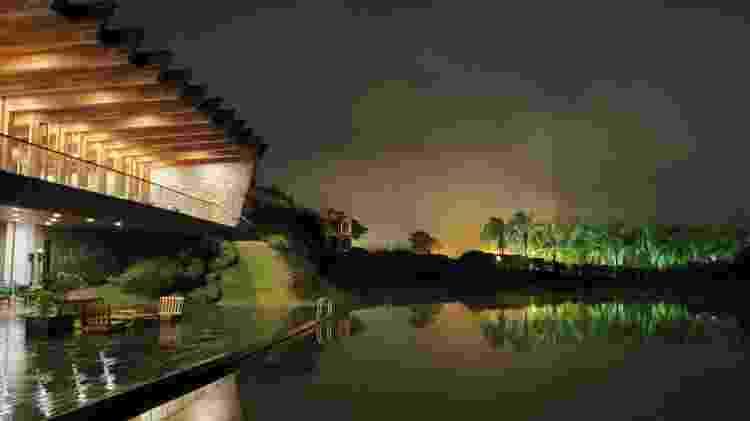 Foto com a câmera traseira do Galaxy Fold no modo noturno - Gabriel Francisco Ribeiro/UOL