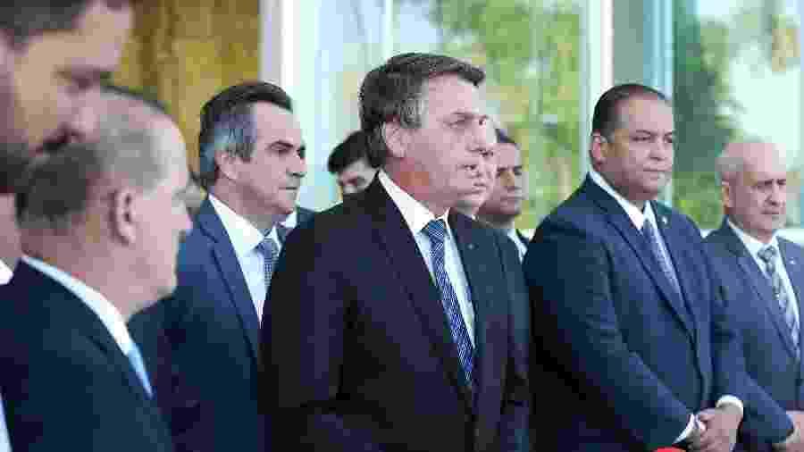 Presidente Bolsonaro após uma reunião com ministros e líderes do centrão para anunciar prorrogação do auxílio emergencial - Marcos Corrêa/PR