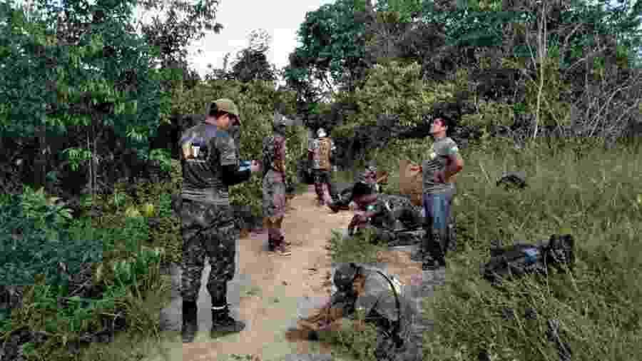 """Indígenas awás-guajás do grupo """"Guardiões da Floresta"""" fiscalizam terra indígena Caru, no Maranhão  - arquivo pessoal/Guardiões da Floresta"""