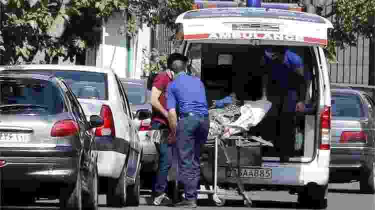 Os serviços médicos em Teerã estão quase no limite de suas capacidades - EPA - EPA
