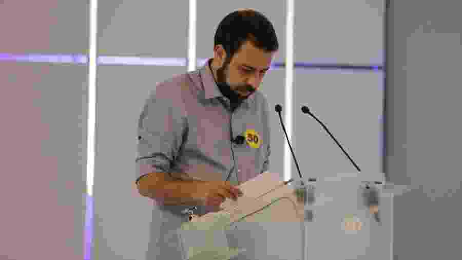 Guilherme Boulos durante debate promovido pela TV Bandeirantes; maior tempo de televisão no segundo turno - Kelly Fuzaro/TV Bandeirantes