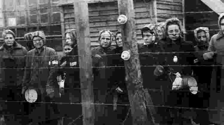 Libertação de prisioneiras de Ravensbrück, em 30 de março de 1945 - Getty Images - Getty Images
