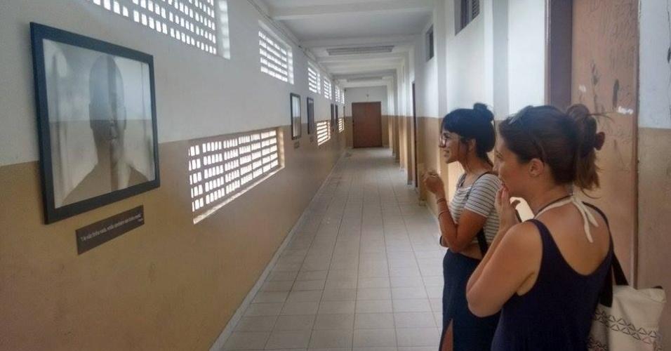 Exposição Vozes no Colégio Estadual Rubens Farrula, em São João de Meriti, Rio de Janeiro