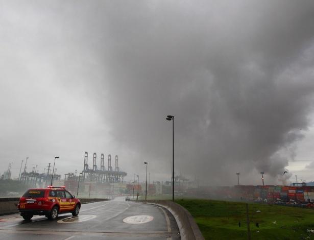 Fumaça de vazamento de gás no litoral sul atinge quatro cidades