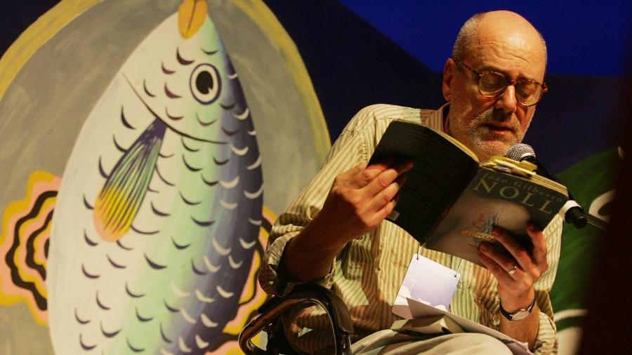 O escritor gaúcho João Gilberto Noll durante palestra na Flip 2008, em Paraty, RJ - Rogério Cassimiro/Folhapress