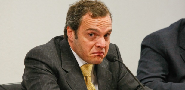 28.abr.2010 - Lúcio Bolonha Funaro depõe durante CPI das ONGs no Senado Federal