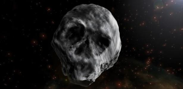 Por ter sido observado na época do Dia das Bruxas e ter semelhança com caveira, o corpo celeste foi chamado de Asteroide do Halloween