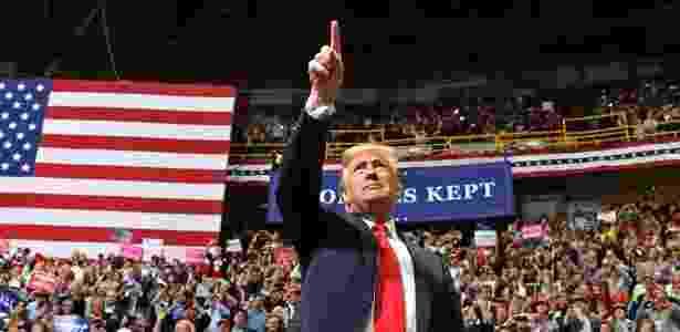 """4.nov.2018 - Presidente dos Estados Unidos, Donald Trump, na campanha """"Make America Great Again"""", no Tennessee - Nicholas Kamm/AFP"""