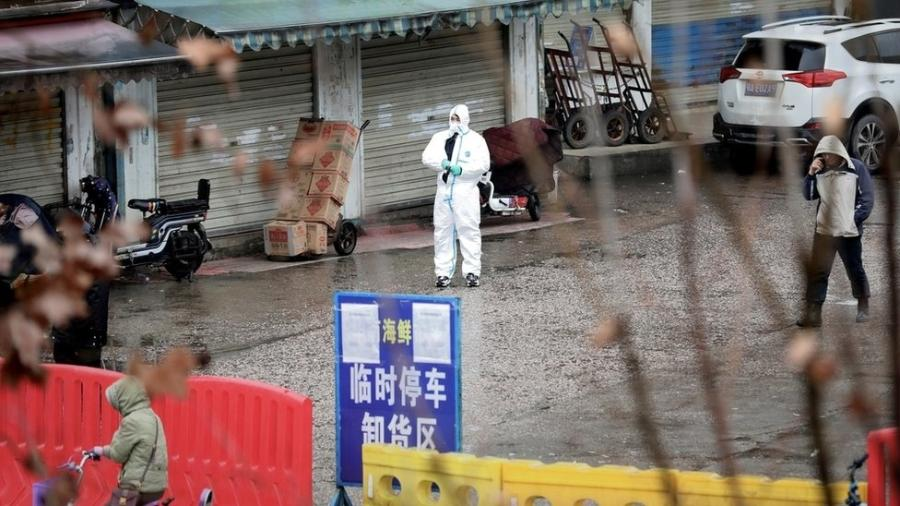 Mercado de Wuhan é apontado como o foco inicial da pandemia, mas ainda há muito a se esclarecer  - Reuters