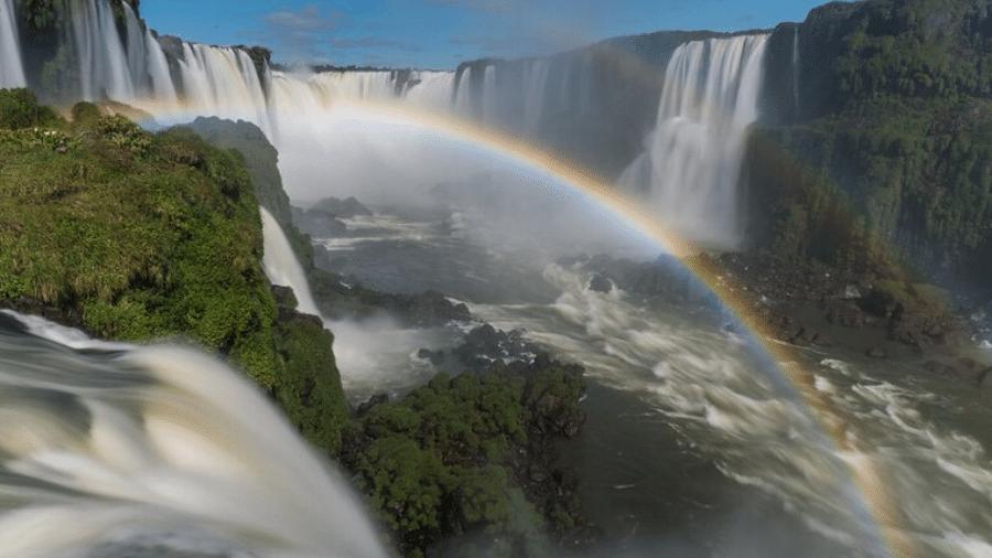 Arco-íris no Parque Nacional do Iguaçu (PR)  - Zig Koch/MTur