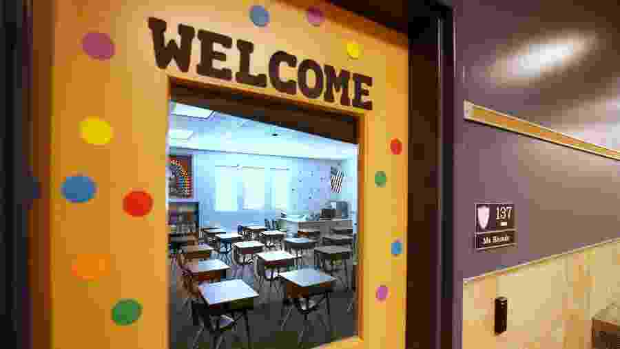 13.ago.2020 - Sala de aula preparada preparada para receber alunos em escola de Utah, nos Estados Unidos - George Frey/Getty Images/AFP