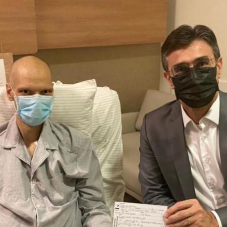 O vice-governador de São Paulo durante visita a Bruno Covas no hospital, em maio de 2021 - Reprodução/Instagram/BrunoCovas