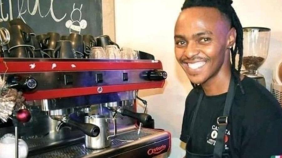 Athenkosi Dyonta, de 30 anos, achou que tinha encontrado o emprego dos sonhos em Omã, mas acabou sendo obrigado a trabalhar sem receber e precisou de ajuda para se libertar - Arquivo pessoal