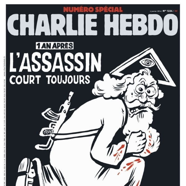 """4.jan.2016 - O jornal satírico francês Charlie Hebdo divulgou a imagem da capa da edição que será publicada nesta quarta-feira (6).  O especial relembra os atentados contra a publicação ocorridos em 7 de janeiro de 2015. A imagem exibe um deus armado com roupas ensanguentadas como título """" Um ano depois, o assassino ainda corre"""""""
