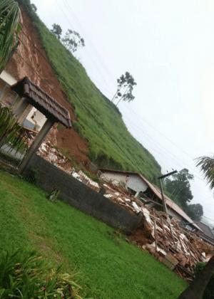 Destruição provocada por deslizamento em Nova Friburgo