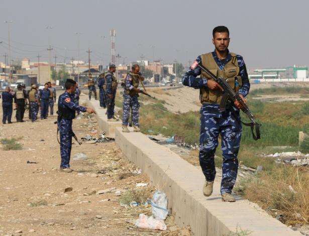 Forças do governo iraquiano patrulham área de Kirkuk (Iraque) em busca de membros do Estado Islâmico
