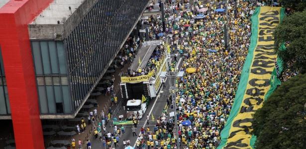 Manifestantes protestam em ato do MBL e do Vem Pra Rua na av. Paulista, em São Paulo, em março deste ano