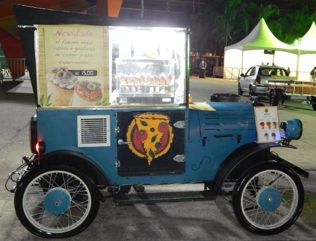 Food cart da franquia Pizza Roots