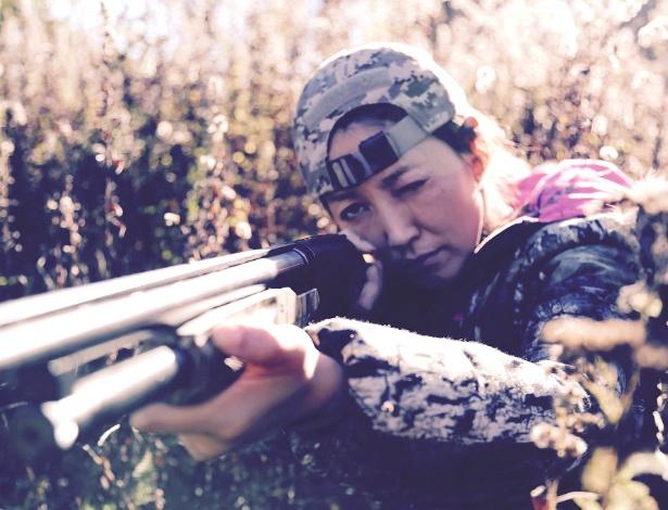 Facebook do Santuário da Unificação tem imagens de jovens segurando armas de fogo