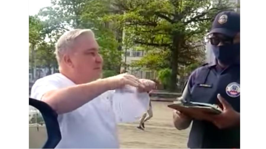 Desembargador Rocha de Siqueira rasga multa em frente a um guarda municipal de Santos - Reprodução