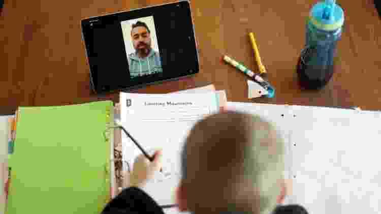Pesquisas apontam exaustão de professores - Reuters - Reuters