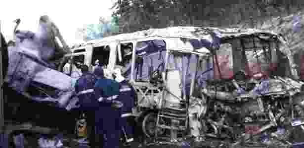 Acidente entre ônibus e caminhão deixa 20 mortos no Paraná - Reprodução/Twitter - Reprodução/Twitter