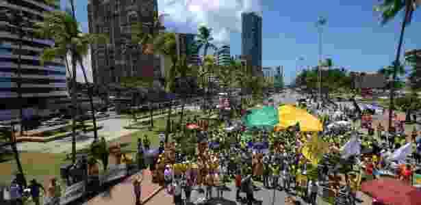 26.mar.2017 - Manifestantes participam de ato em apoio à Operação Lava Jato no Recife - Chico Peixoto/ Leia Já Imagens/ Estadão Conteúdo