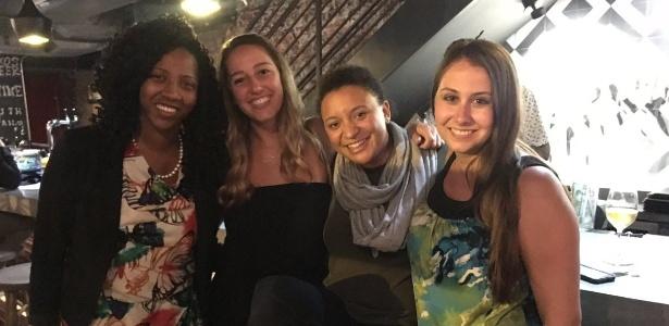 Mulheres se tornaram amigas após homem marcar encontro com elas na mesma noite
