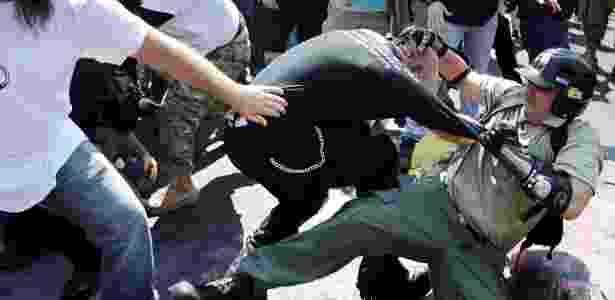Grupos de nacionalistas brancos e antiracistas entraram em confronto - Chip Somodevilla/Getty Images/AFP