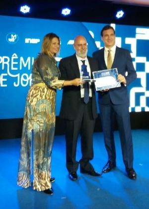 Repórter Guilherme Azevedo é premiado no Prêmio Inep de Jornalismo