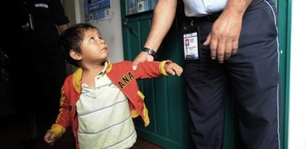 A política migratória do México procura não separar familias, mas isso também acaba acontecendo