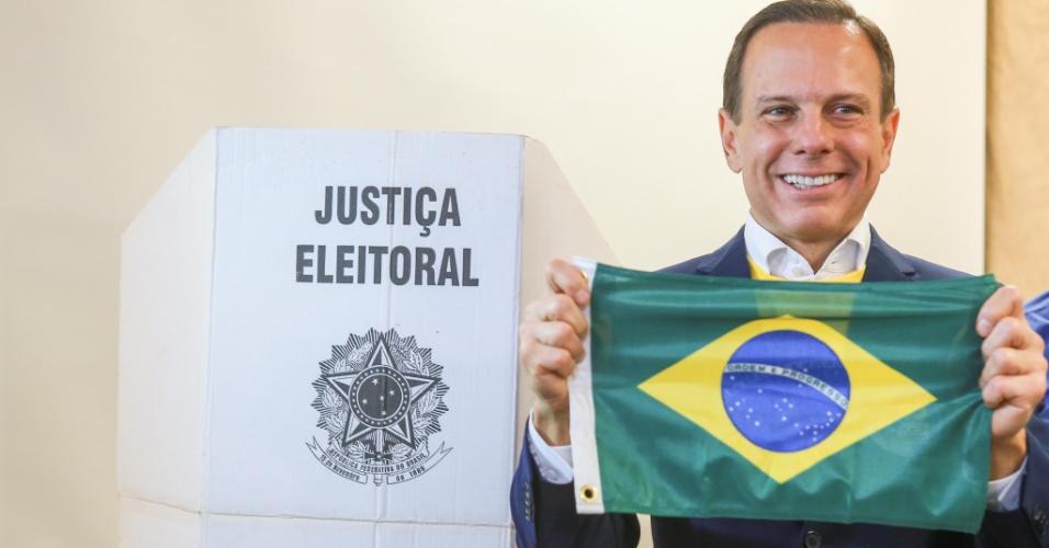 28.out.2018 - O candidato ao Governo do Estado de São Paulo, João Doria (PSDB), vota na Escola Britânica, nos Jardins, zona sul da cidade