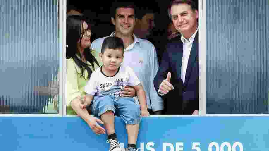 O presidente Jair Bolsonaro participa de entrega de imóvel a família no programa Minha Casa Minha Vida   - Alan Santos/PR