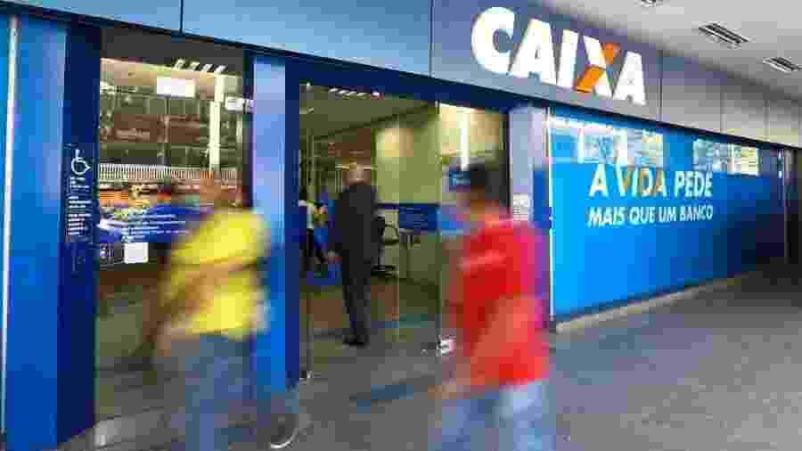 13.set.2019 - Agência da Caixa em Brasília no primeiro dia de  liberação do saque de até R$ 500 em contas do Fundo de Garantia do Tempo de Serviço (FGTS) - Marcelo Camargo/Agência Brasil