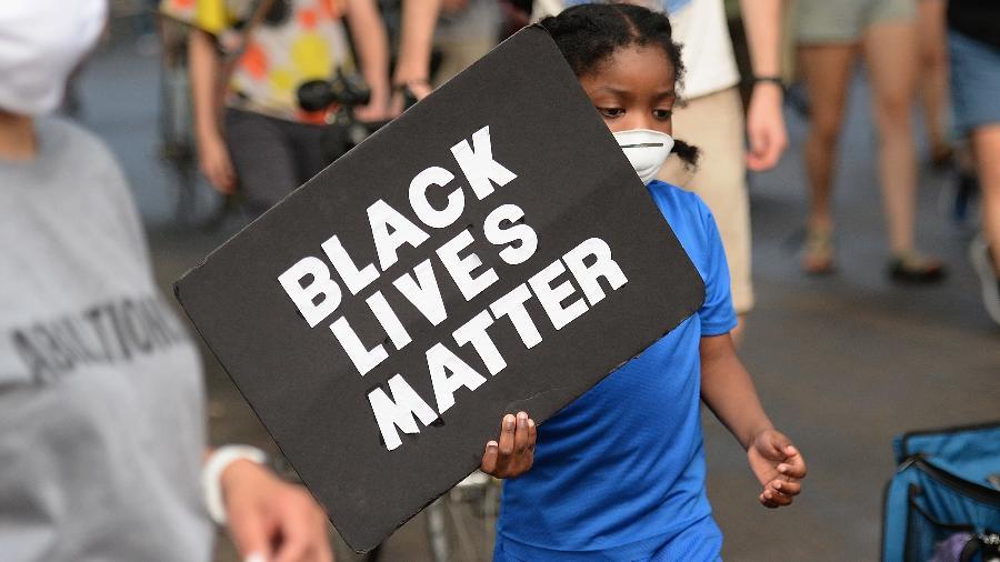 EUA vivem tensão após diversos episódios de violência policial contra negros, que teve ápice nos protestos após a morte do segurança George Floyd - Getty Images