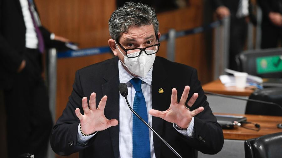 """Rogério Carvalho considera que há """"provas graves"""" de que o presidente agiu para favorecer empresas - Jefferson Rudy/Agência Senado"""