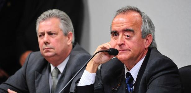 Depoimento do ex-diretor da área internacional da Petrobras, Nestor Cerveró (à dir.), à CPI da Petrobras de 2014. Na foto, ele aparece ao lado do advogado Edson Ribeiro