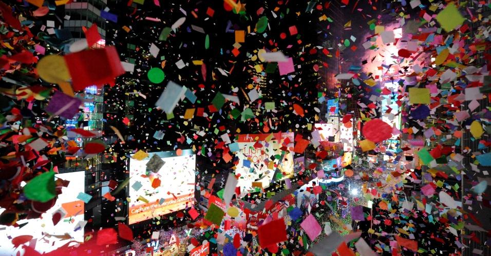 1.jan.2017 - Confetes atirados na virada do ano na Times Square, em Nova York