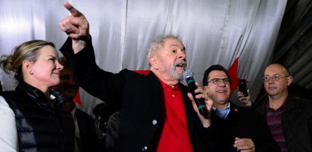 O ex-presidente Lula durante encontro com petistas na zona sul de São Paulo na sexta (4)