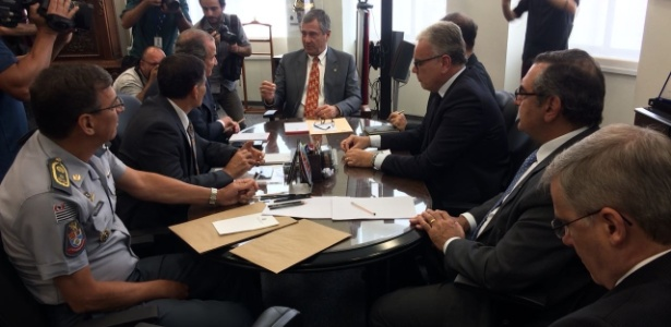 O ministro da Justiça, Torquato Jardim, se reúne com autoridades da segurança pública de São Paulo