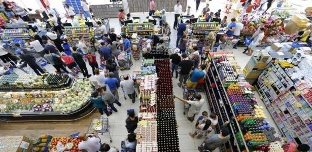 Mercados vendem produtos a R$ 1 Ítalo Supermercados