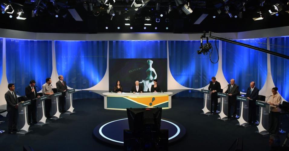17.ago.2018 - Os candidatos à Presidência da República convidados pela RedeTV!/IstoÉ para o debate eleitoral do primeiro turno na sede da emissora em São Paulo, nesta sexta-feira (17)